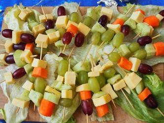 Käse-Gemüse-Spieße